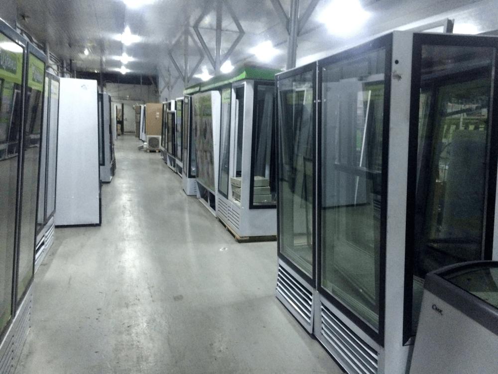 Поступление холодильных шкафов б/у с четырехсторонним остеклением